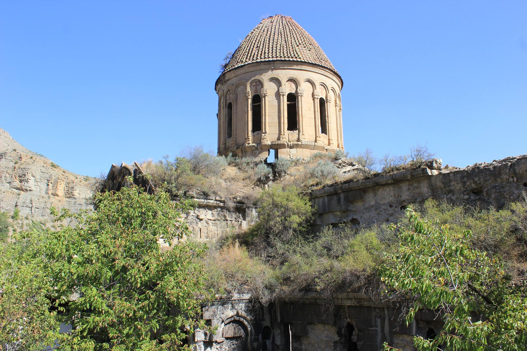 The reinforcement of the Oshki dome was started on the territory of Turkey