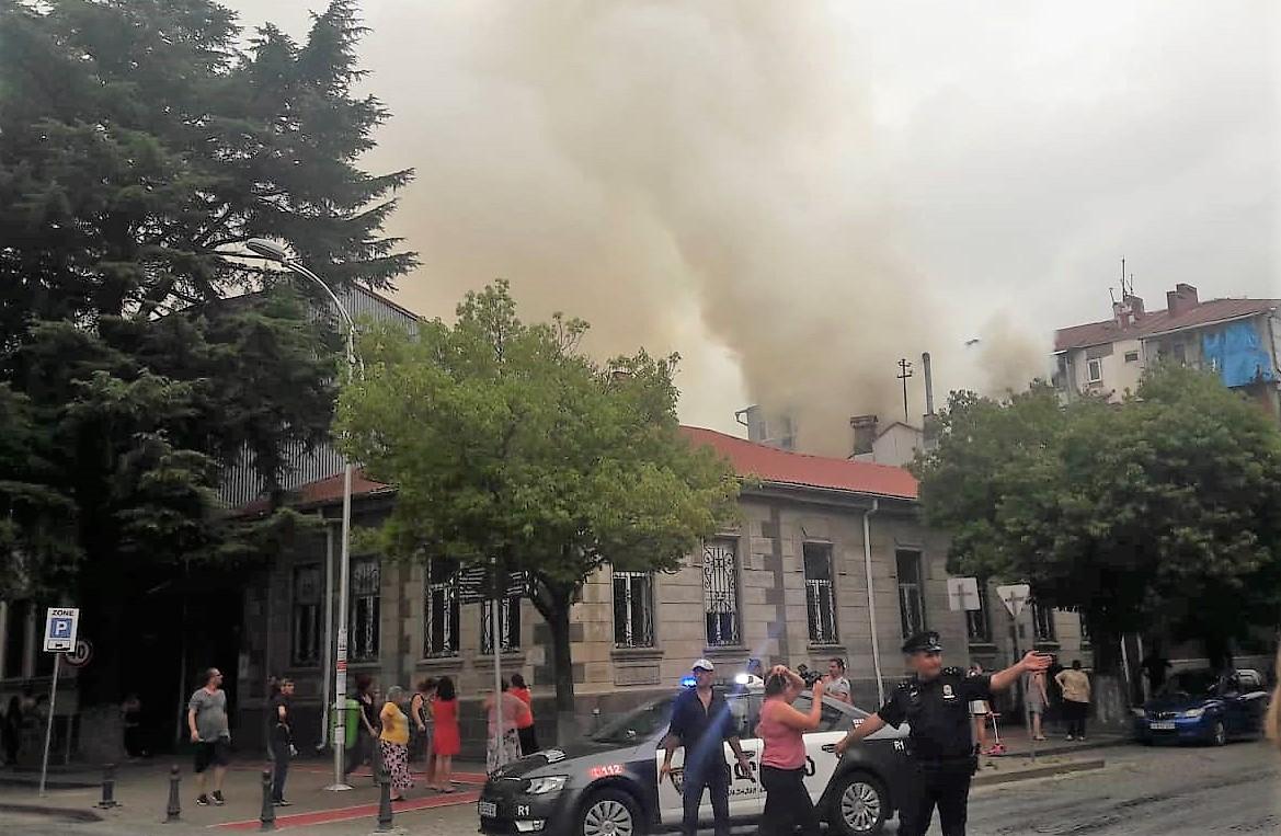 ხანძრის შედეგად არავინ დაშავებულა - ცეცხლი უკვე ჩააქრეს