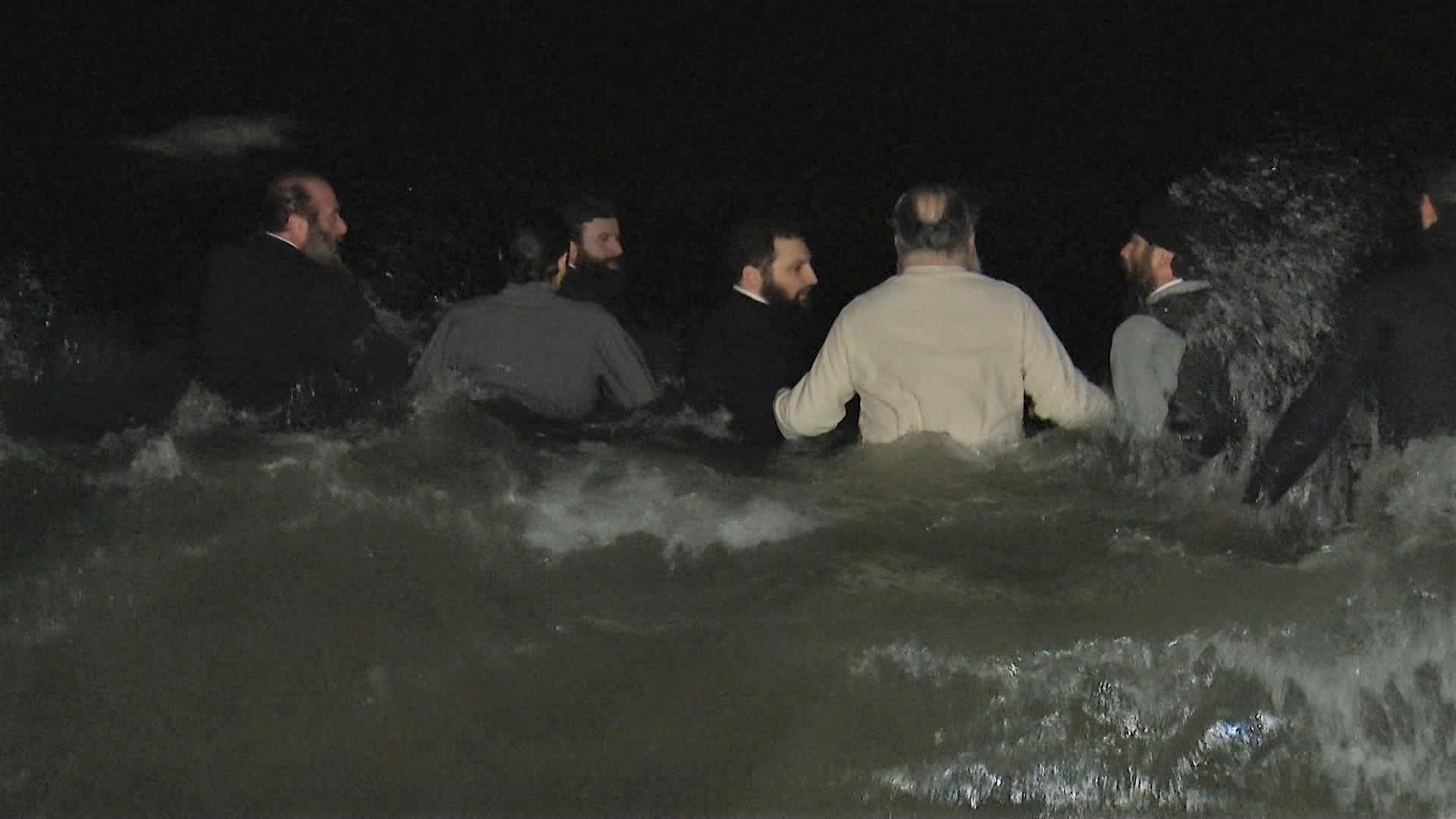 The tradition of entering the sea - Epiphany is performed by the bathroom ritual / photo /