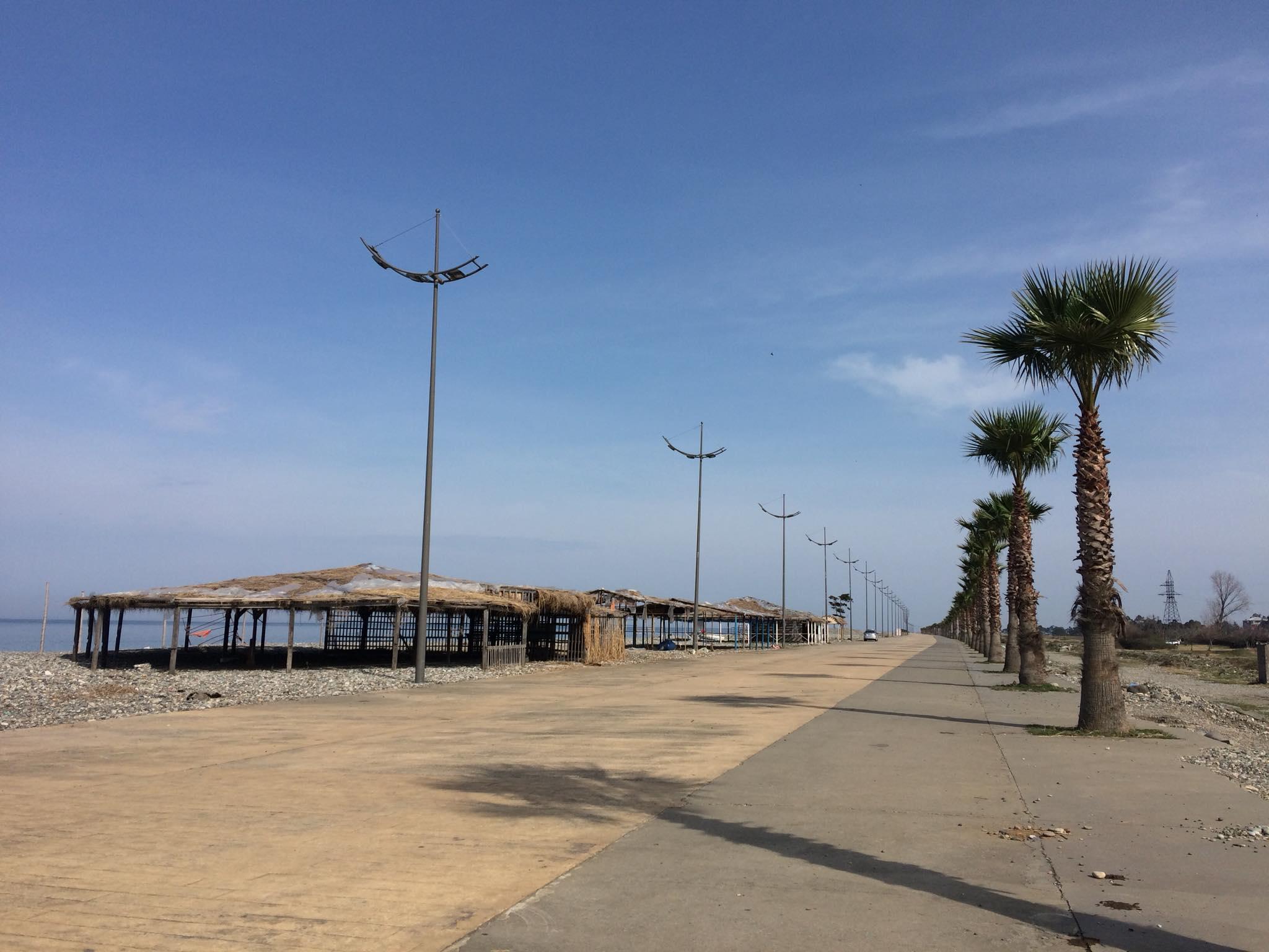 გონიოსა და კვარიათის პლაჟებზე 80 ბუნგალოს დემონტაჟი მოხდება, ტერიტორია აუქციონზე გავა
