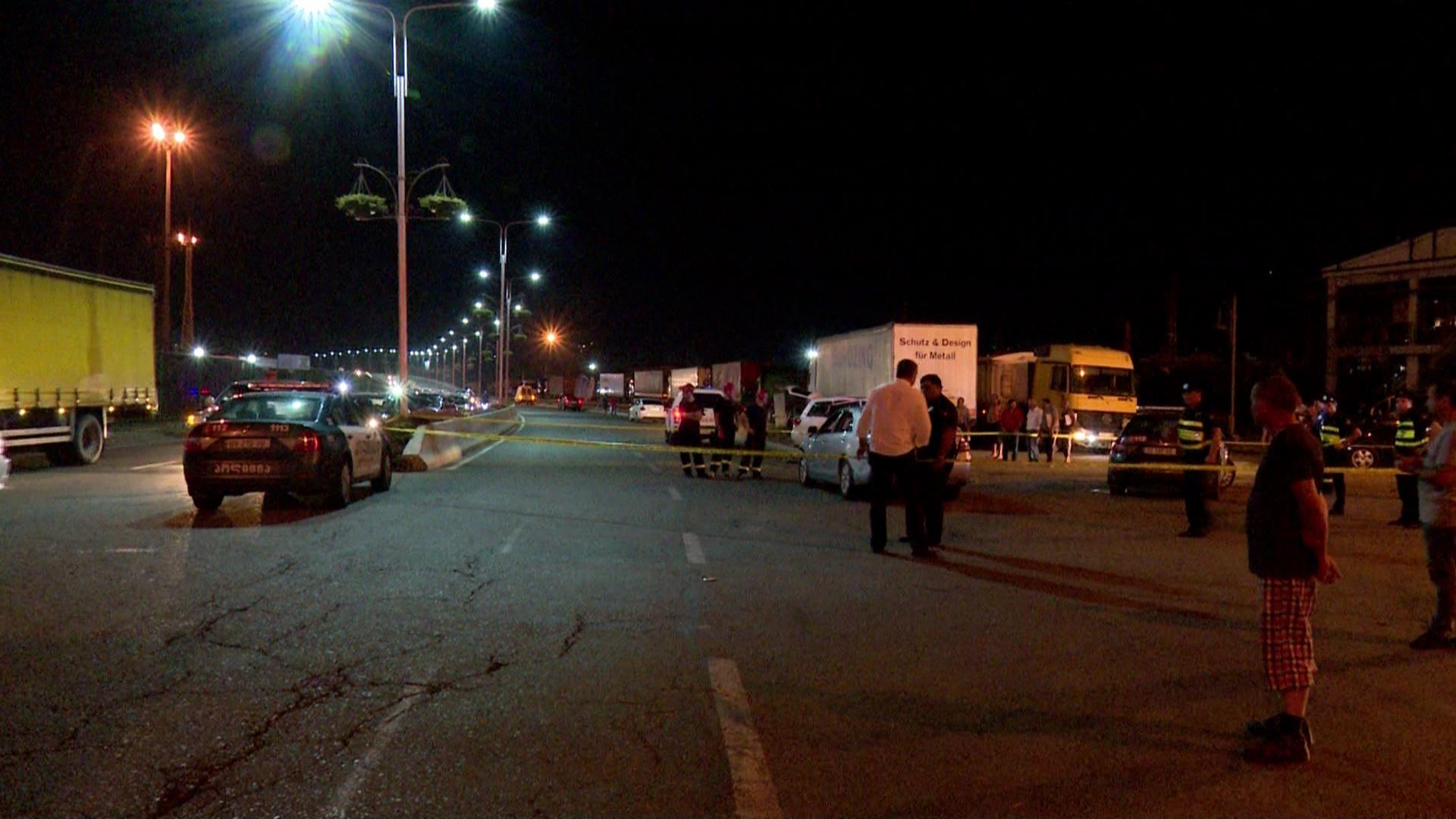 ავარია ესტაკადასთან - დაშავდა ორი ადამიანი
