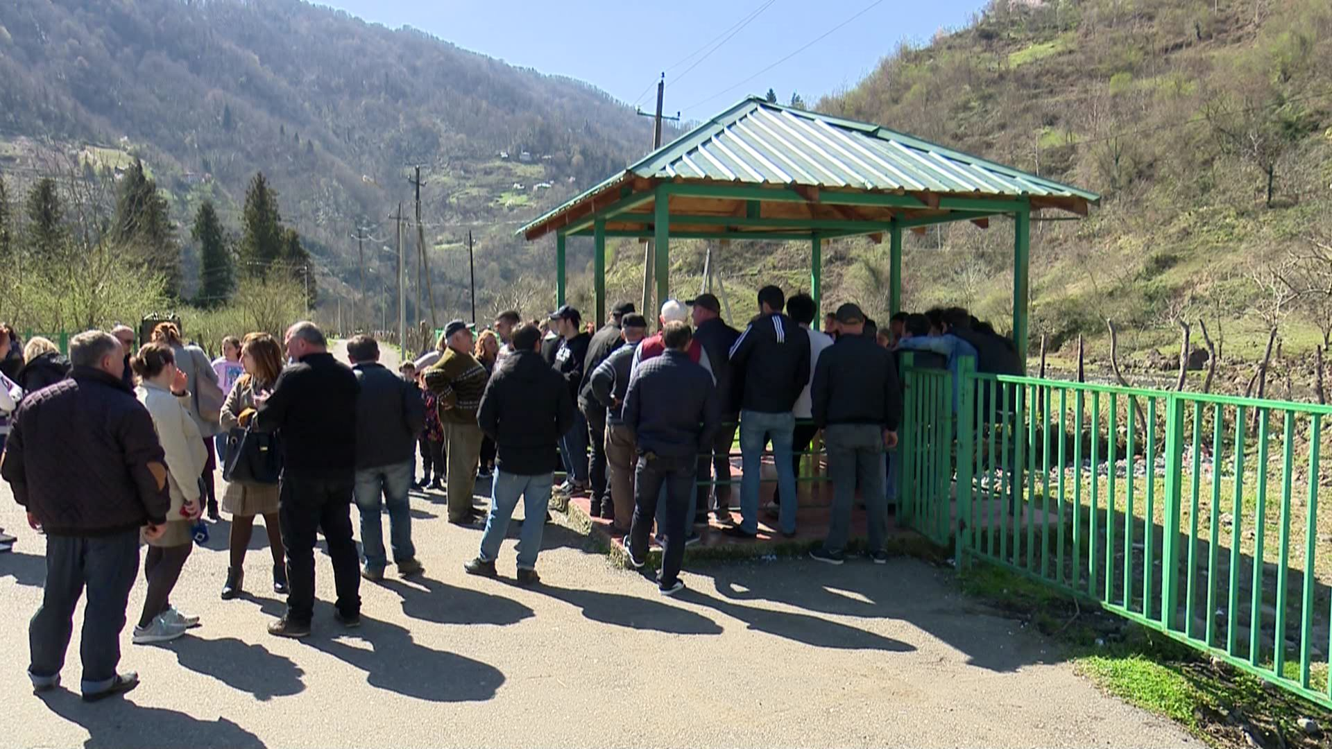 The population of Kedkeda is against the HPP