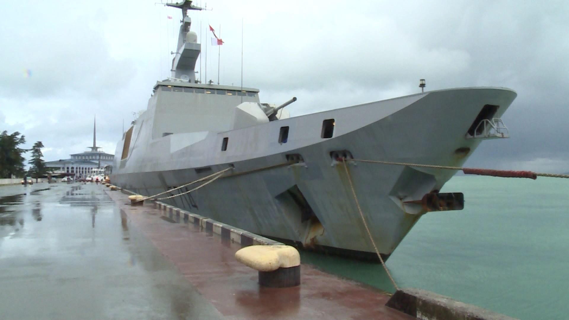 საფრანგეთის ეროვნული ფლოტის სამხედრო  ხომალდი ბათუმში