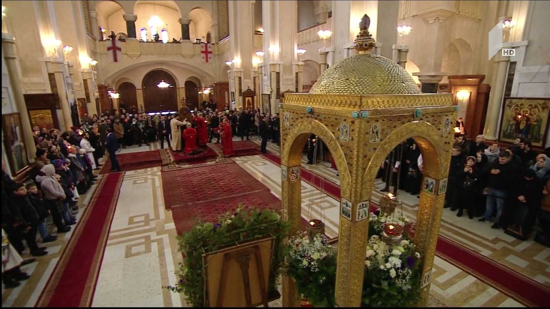 The Patriarch takes the festive liturgy at the Holy Trinity Cathedral