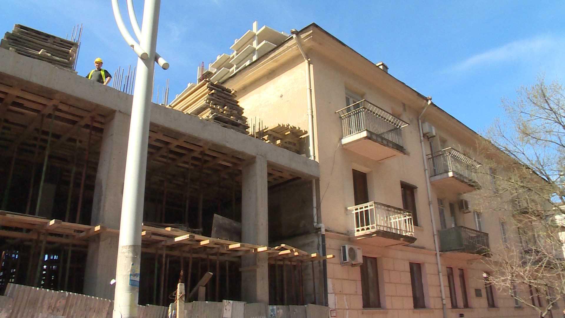 უმაღლესი საბჭოს წევრის ბიზნესი - მოსახლეობა ახალ მშენებლობას აპროტესტებს