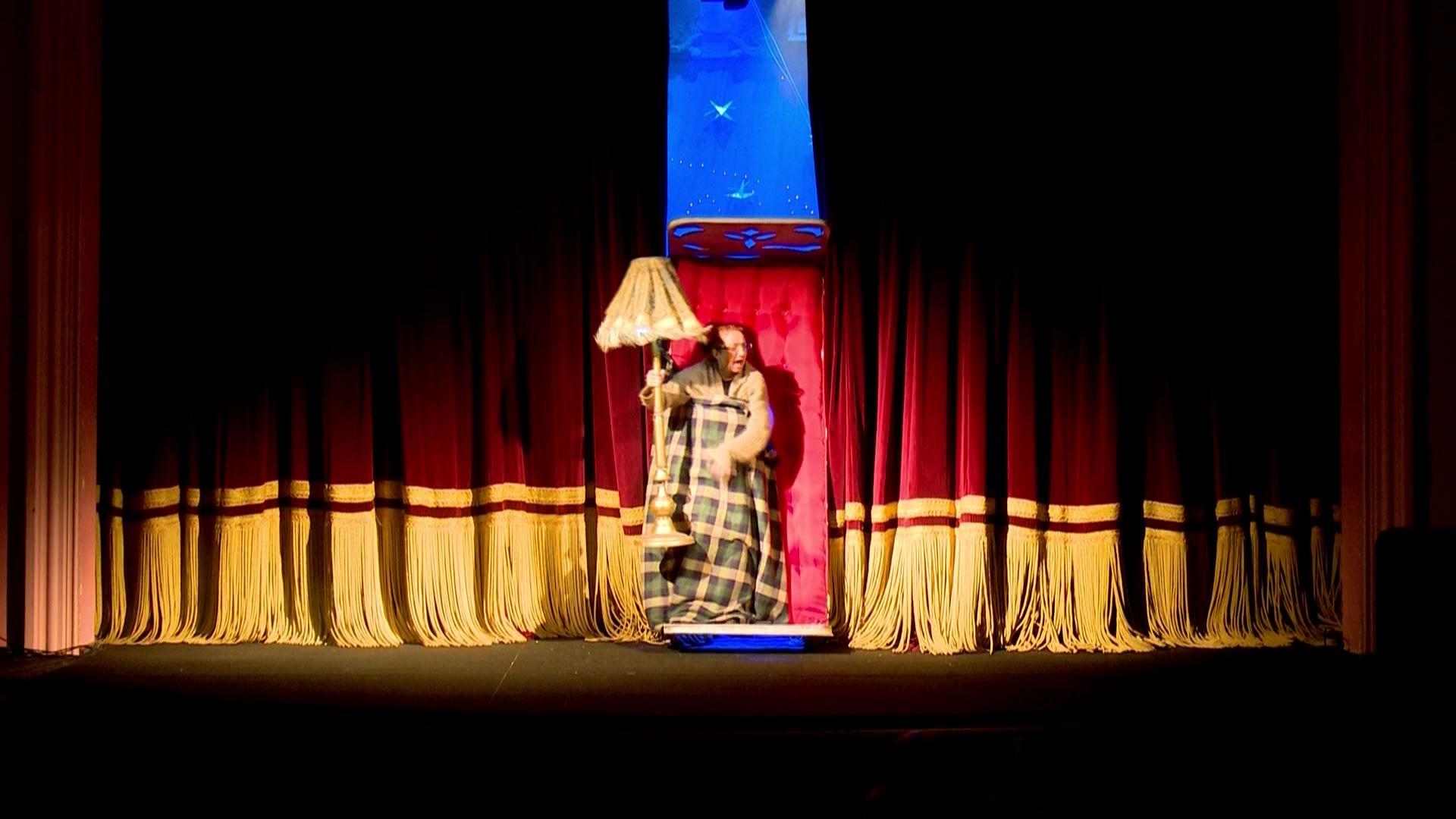 მერი პოპინსი-პრემიერა თოჯინების თეატრში