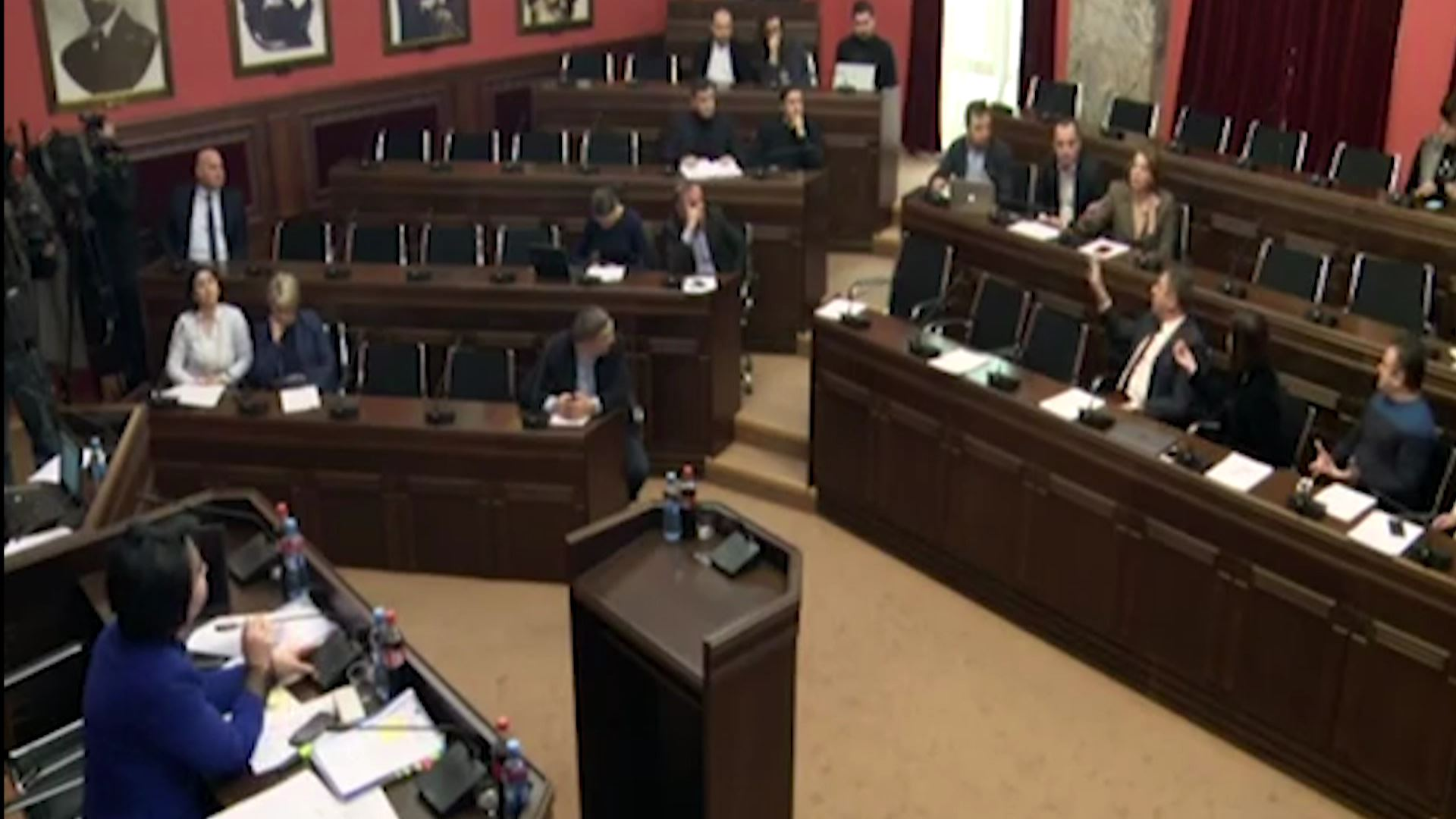 Noise at the Sitting of the Legal Issues Committee