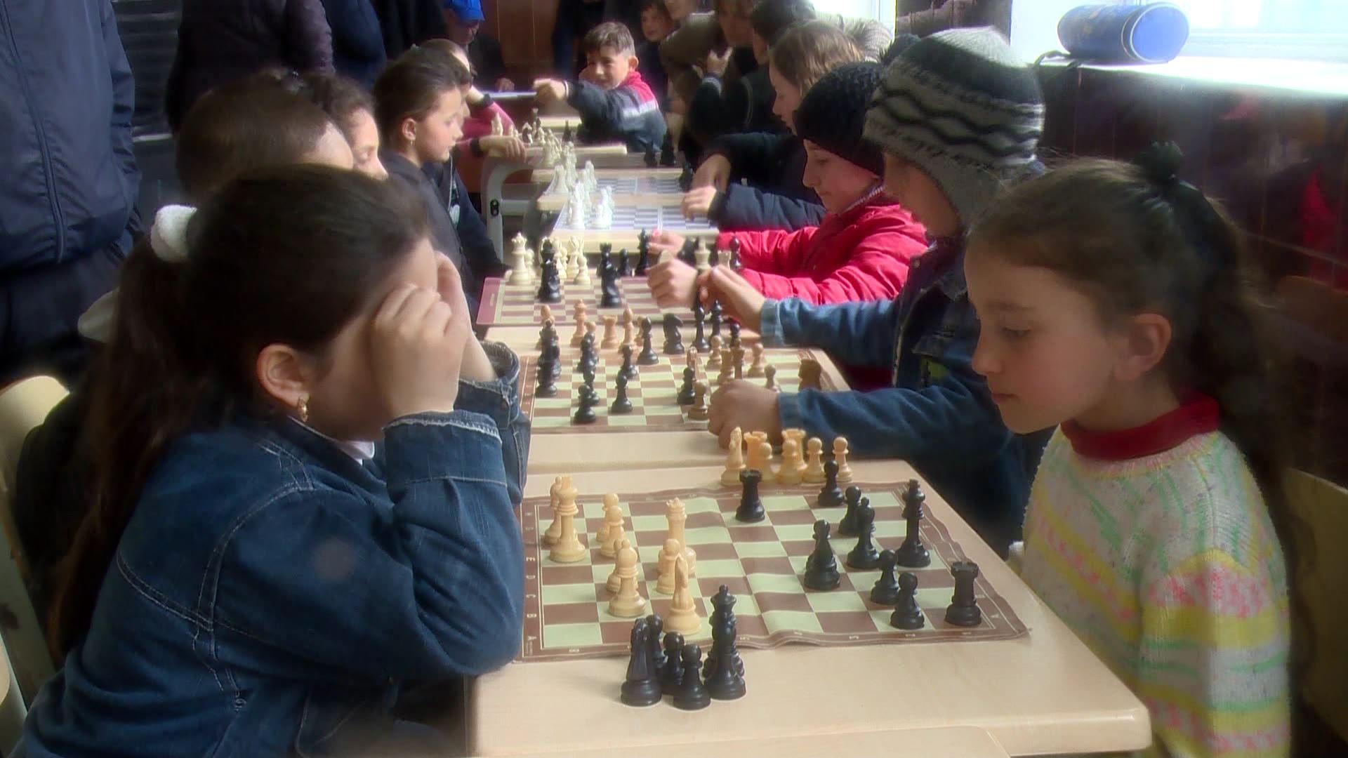 სკოლებს შორის გუნდური პირველობა ჭადრაკში