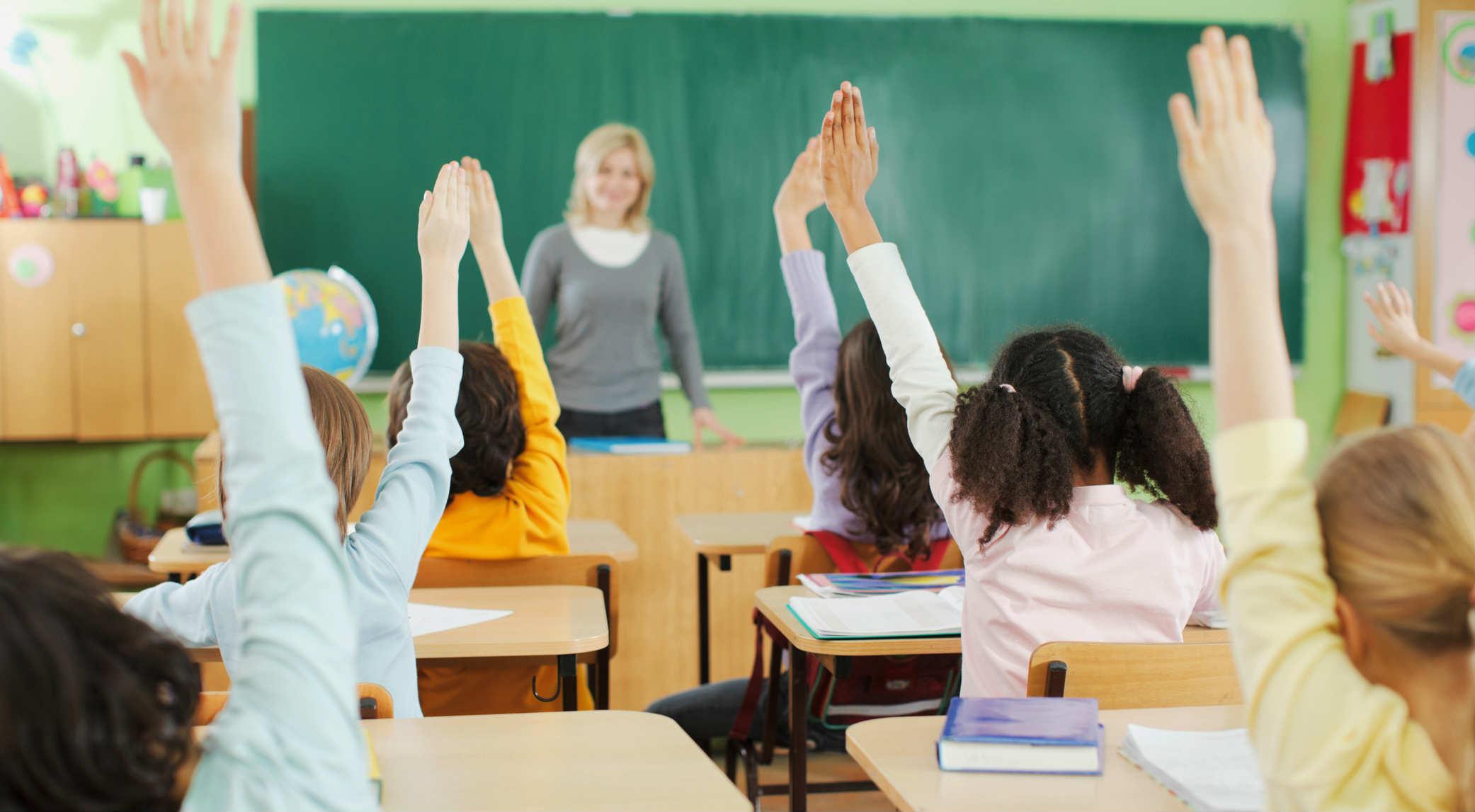 ორშაბათს სკოლებსა და ბაღებში სასწავლო პროცესი განახლდება