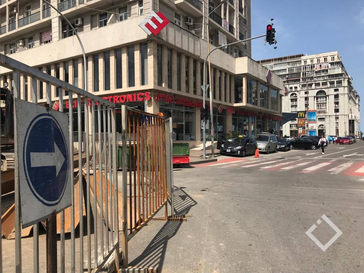 ბათუმში ტურისტულ სეზონზე კიდევ ერთი ქუჩა ჩაიკეტა - შეიცვალა ავტობუსების მარშრუტი