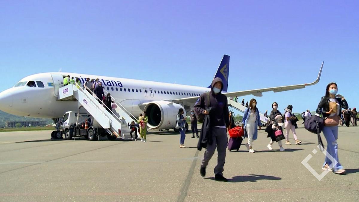 ბათუმის განახლებულ აეროპორტში ყაზახურმა ავიაკომპანიამ რეგულარული ფრენები განაახლა
